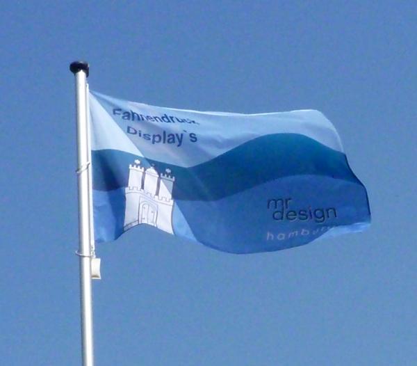 Riesige Fahne drucken 3,75 m x 2,5 m bei MR Design